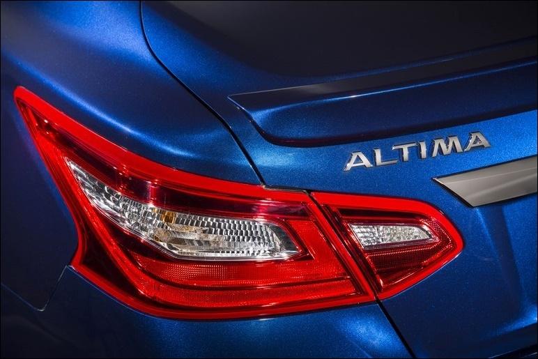 新型アルティマ2016-4