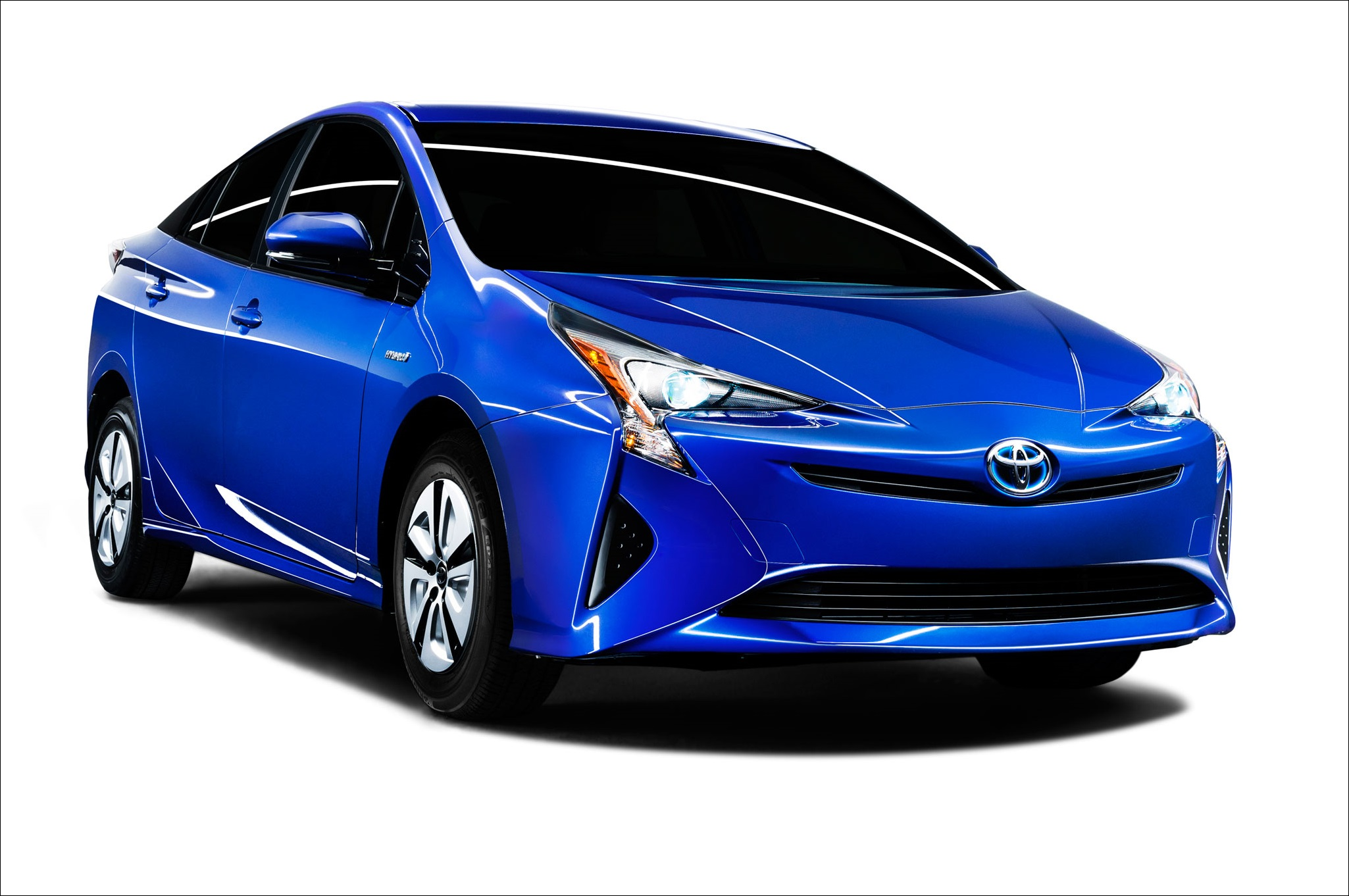 2016-toyota-prius-eco-front-side-view